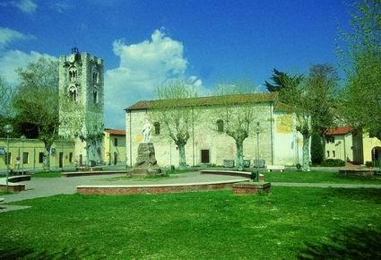 Chiesa e torre di S. Alessandro, Vecchiano