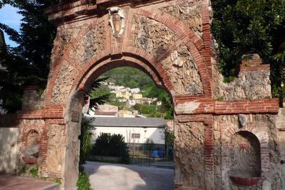 Vecchia porta Molina di Quosa
